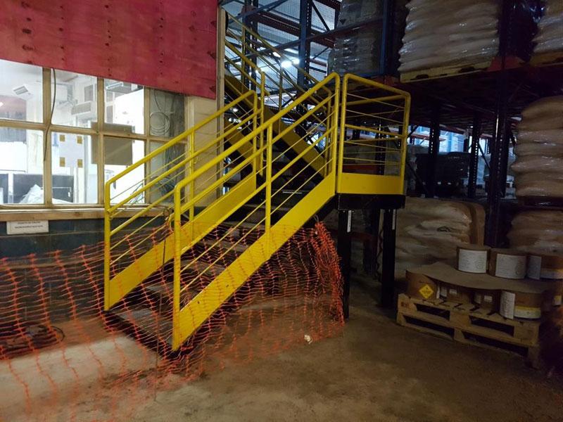 Fabricação e montagem de Cabine de Controle Geral para Fabrica