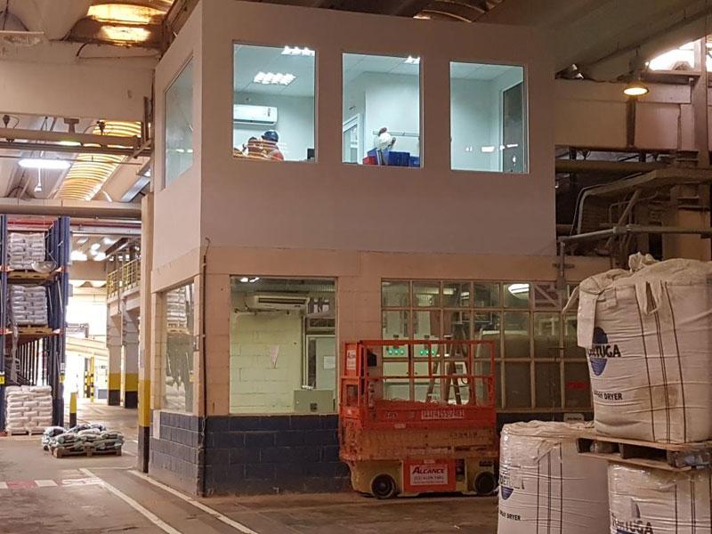 Fabricação e montagem de Cabine de Controle Geral para Fabrica fechamento em drywall