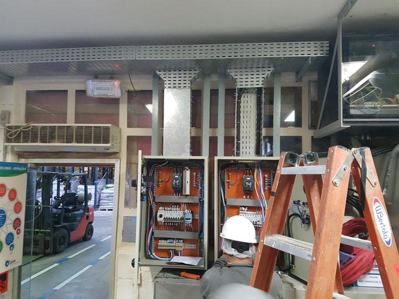 Fabricação e montagem de QDF's e eletrocalhas para Sistema de Emergência