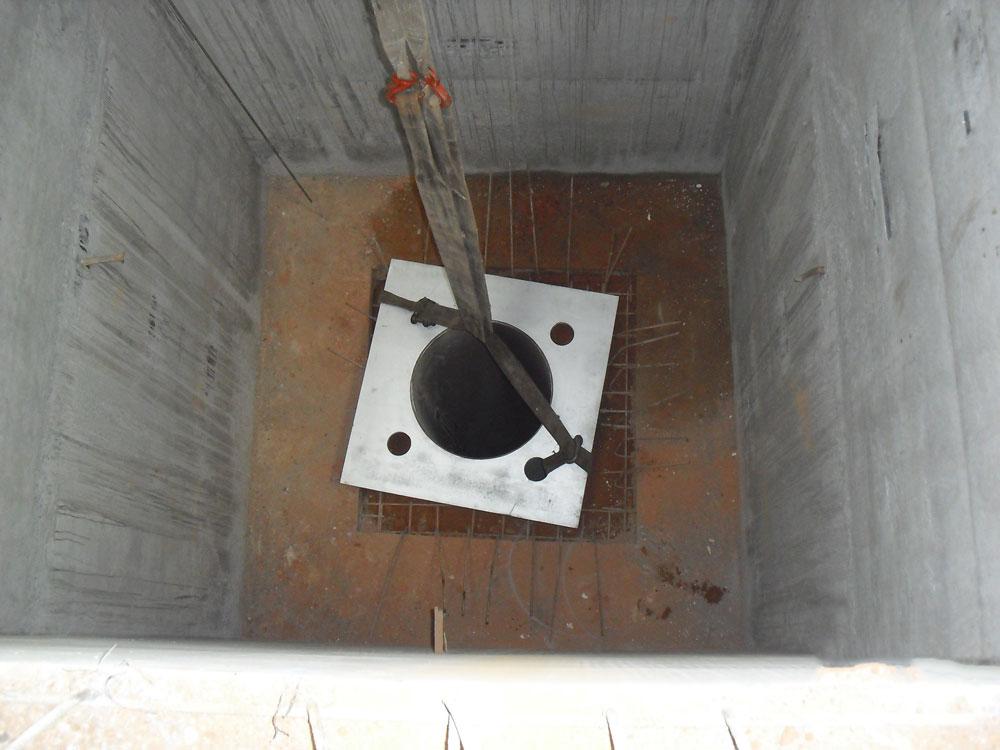 Poço vazamento de tarugos de aluminio, com profundidade de 8,00 metros